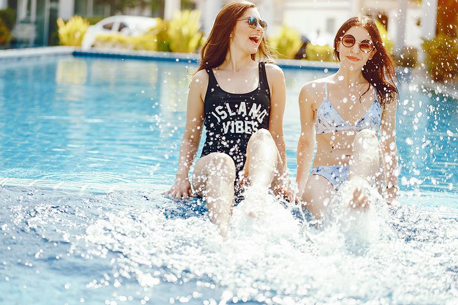 divertido piscina